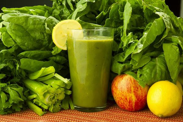 dieta-sana-con-bebidas-verdes