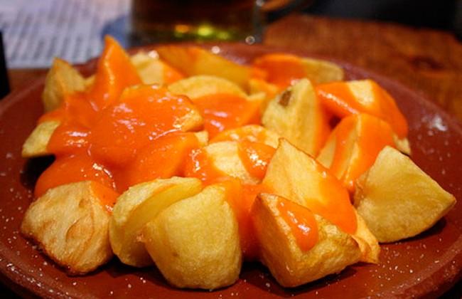 patatas-bravas-para-tapeo-en-Aitana