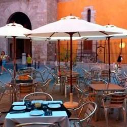 terraza-junto-torres-de-Quart-Valencia-para-tapear