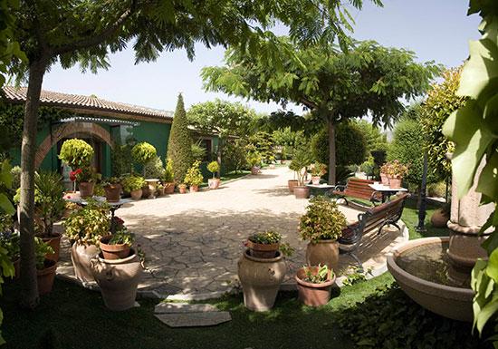 bonitos-jardines-en-Lolo-Alcoy